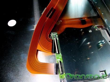Bretelles d'affichage du moniteur LCD